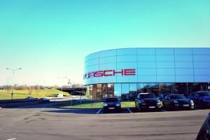 Automobilių Porsche salonas